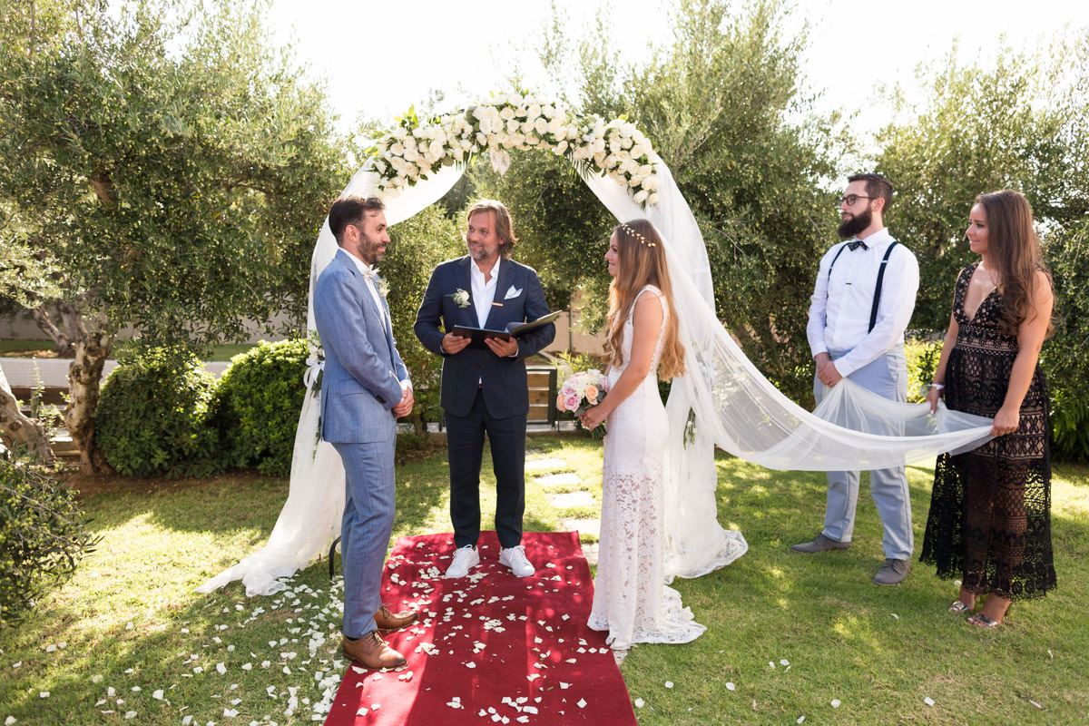 wedding ceremony in Crete