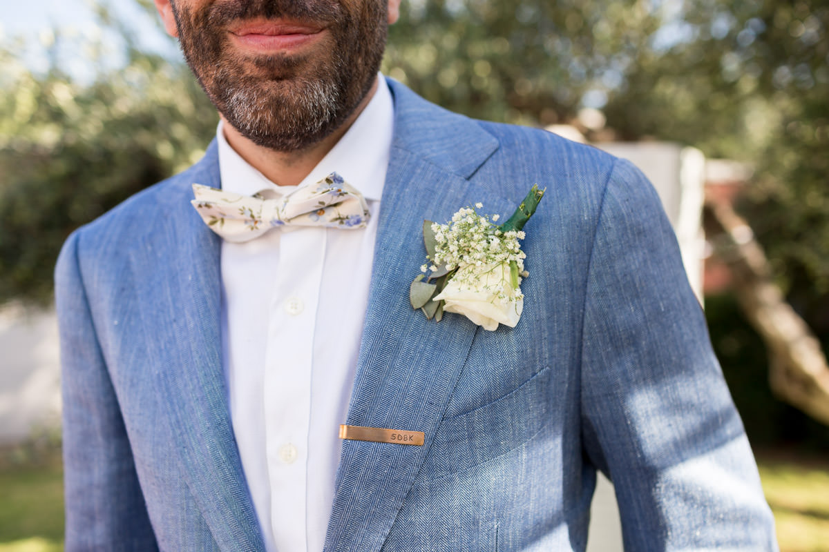 groom's apparel