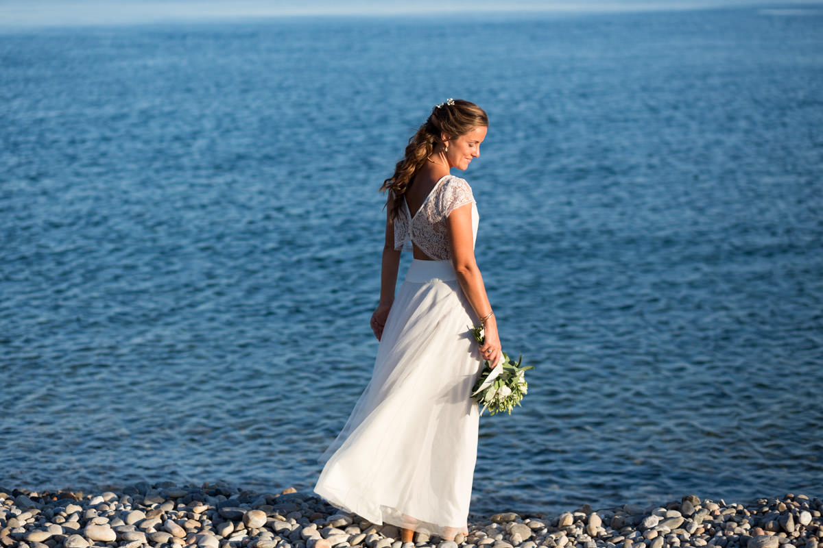 stunning bride by the sea in Crete