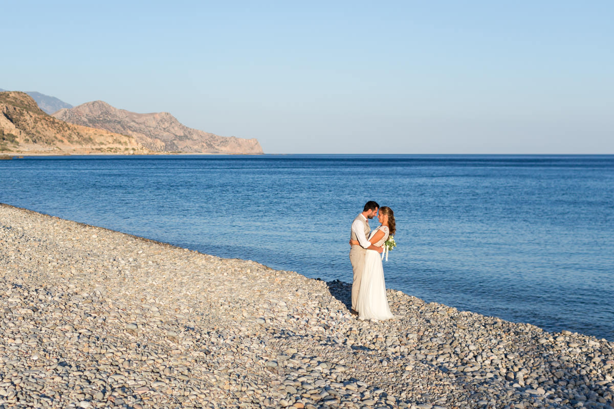 wedding photo by the beach in Crete