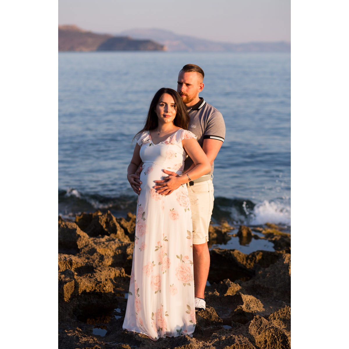 maternity photographer in Crete