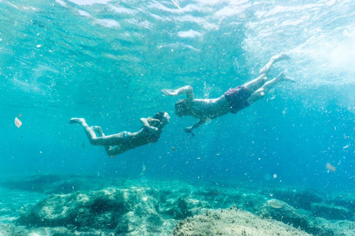 underwater kiss in Greece