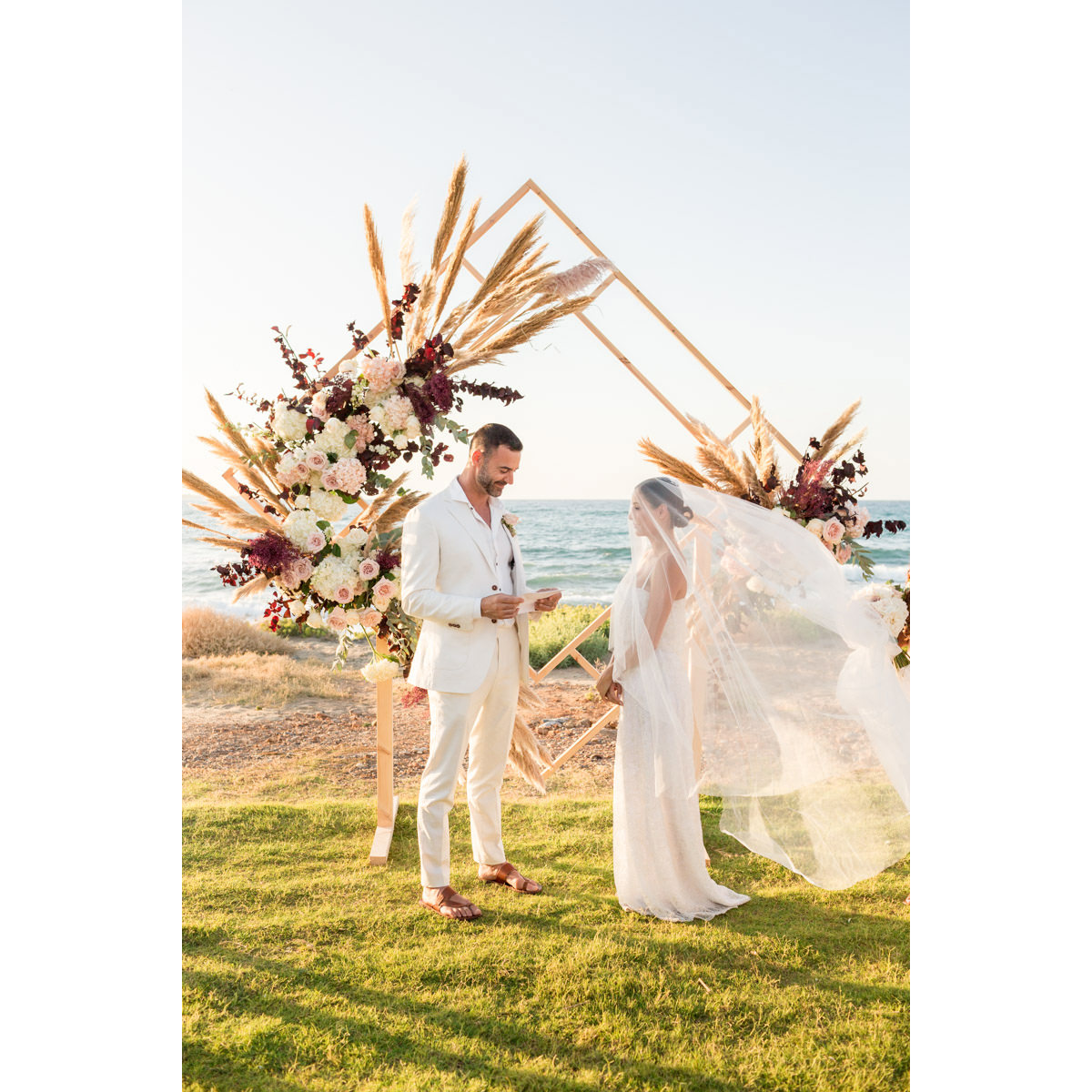 beach wedding in Avaton hotel